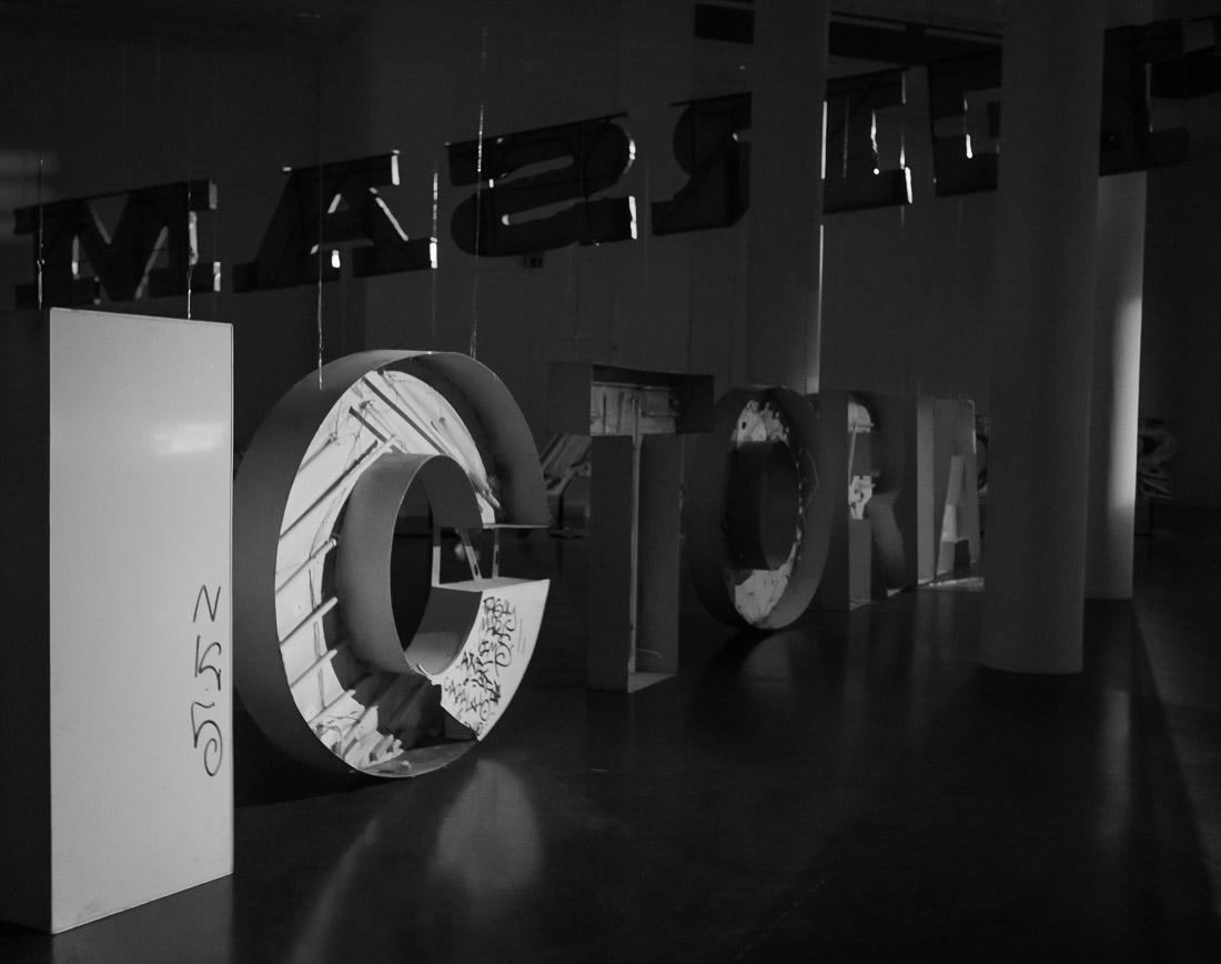 anna rusilko fotografia photography neony csw centrum sztuki współczesnej apator uniwersam elana sztuka art toruń