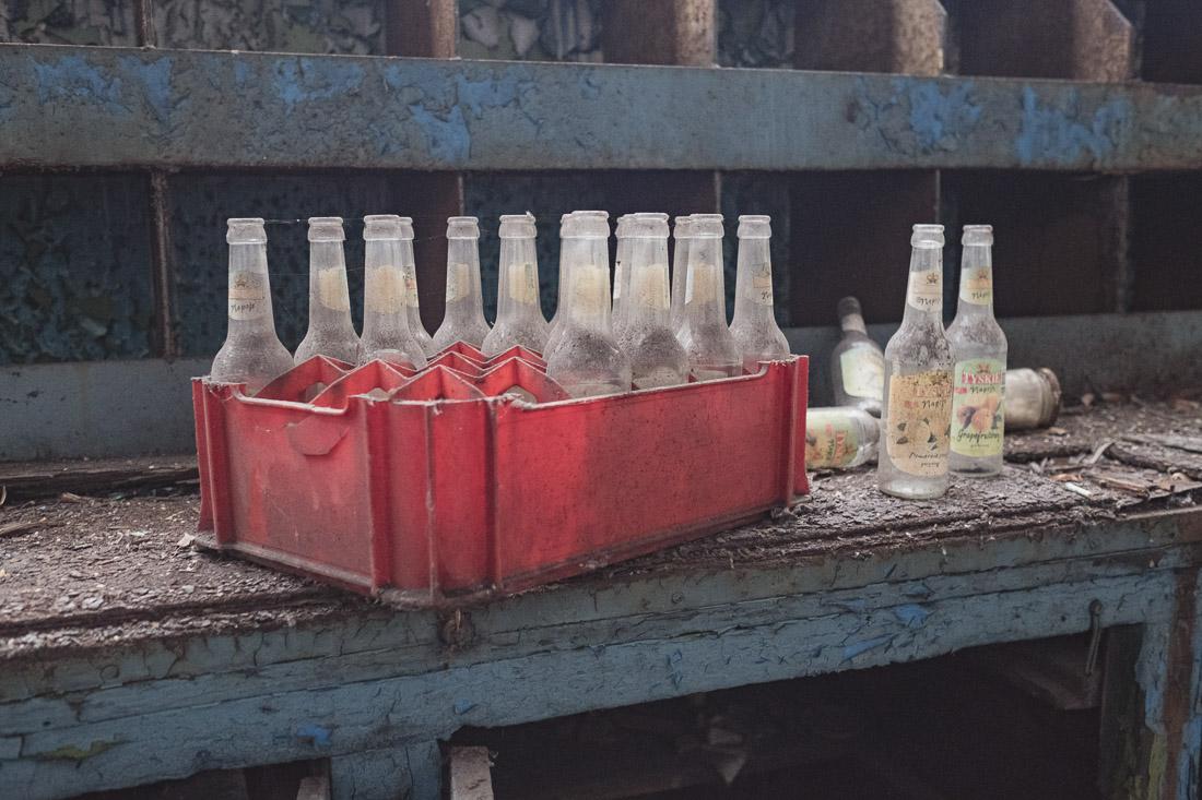 anna rusilko fotografia photography opuszczony zakład naprawy kolei pociągi urbex abandoned trains